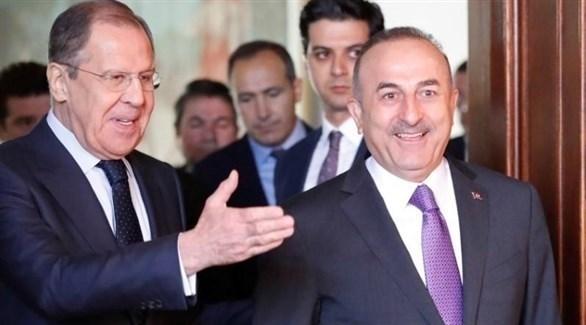 وزيرا الخارجية الروسي سيرجي لافروف والتركي مولود تشاووش أوغلو (رويترز)