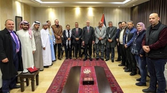 رامي الحمد الله مع الوفود العربية المشاركة في مؤتمر نصرة القدس (وفا)