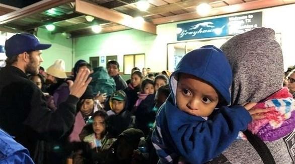 مهاجرون من أمريكا الوسطى على حدود الولايات المتحدة (رويترز)
