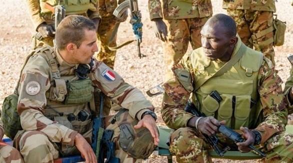 جنود من الجيش المالي والفرنسي (أرشيف)
