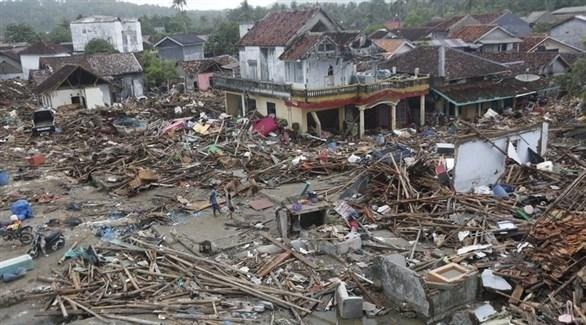 دمار في باندغلانغ بإندونيسيا بعد تسونامي الأسبوع الماضي (إ ب أ)