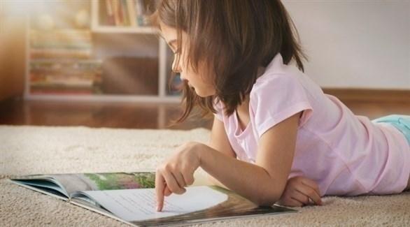 يبدأ الطفل تمييز الحروف بين سن 3 و4 سنوات (أرشيفية)