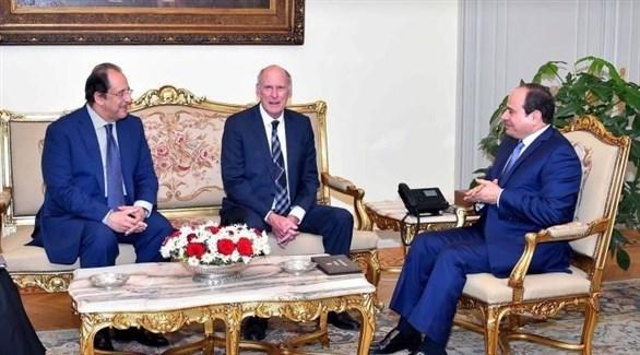 الرئيس المصري ورئيس جهاز الاستخبارات الوطنية الأمريكي (بوابة الأهرام)