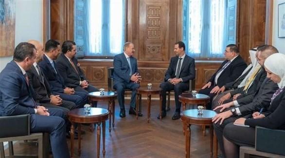 الأسد مجتمعاً مع عدد من النواب الأردنيين (أرشيف)