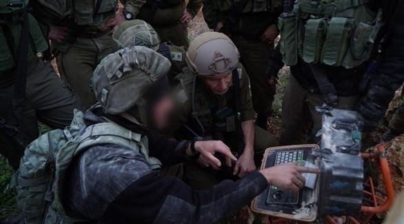 جنود إسرائيليون يدمرون ما قيل إنها أنفاق لحزب الله (أفيخاي أدرعي- تويتر)