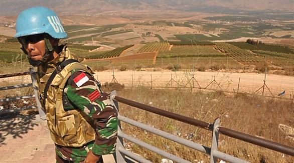 عنصر من قوات يونيفيل على الحدود بين لبنان وإسرائيل (أرشيف)