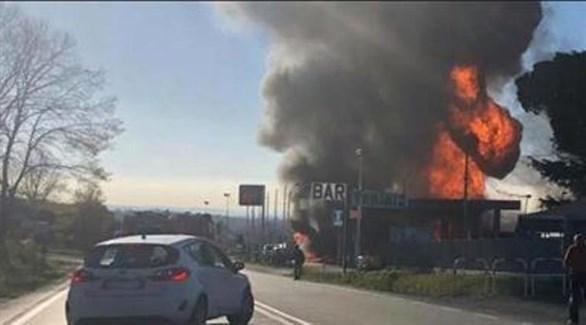 انفجار محطة الوقود القريبة من العاصمة روما (تويتر)