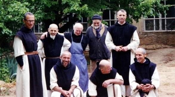 مجموعة من الرهبان التبحيرين