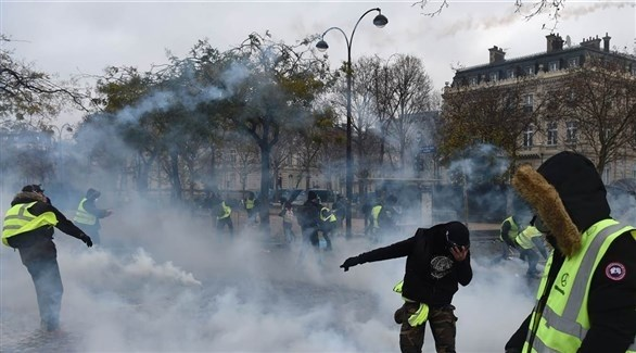 جانب من احتجاجات السترات الصفراء في فرنسا (تويتر)