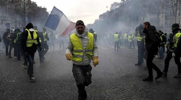 من احتجاجات السترات الصفراء في باريس (تويتر)