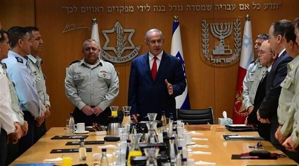 رئيس الوزراء الإسرائيلي بنيامين نتانياهو  في اجتماع مع قادة جيشه (أرشيف)