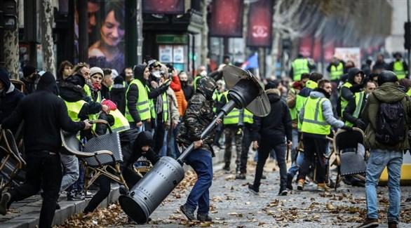مظاهرات السترات الصفراء العنيفة في باريس (أرشيف)