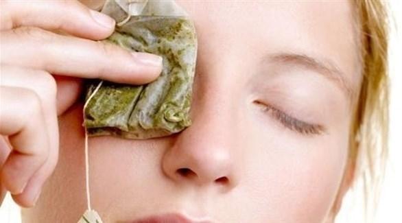 أكياس الشاي لا تنفع لعلاج التهاب العين