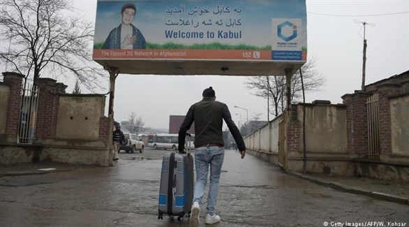 أفغاني مرحل من ألمانيا بعد عودته إلى كابول (أرشيف)