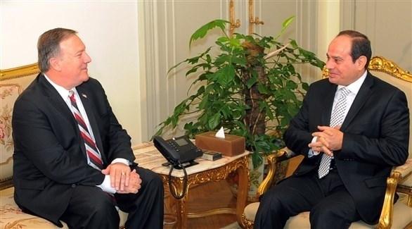 الرئيس المصري عبدالفتاح السيسي ووزير الخارجية الأمريكي مايك بومبيو (أرشيف)
