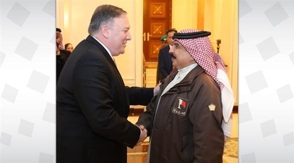 عاهل البحرين الملك حمد آل خليفة ووزير الخارجية الأمريكي بومبيو (بنا)