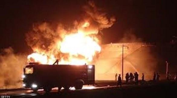 عربة إطفاء في موقع اندلاع الحريق (المشهد)