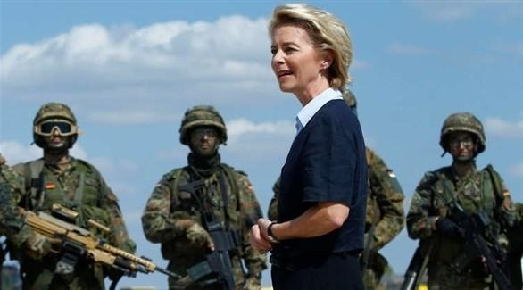 وزيرة الدفاع فون دير لاين برفقة الجيش الألماني (أرشيف)