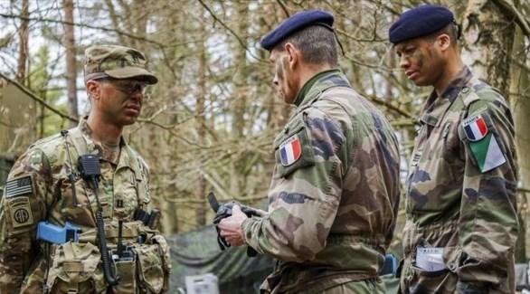 عناصر من القوات الفرنسية والأمريكية في سوريا (أرشيف)