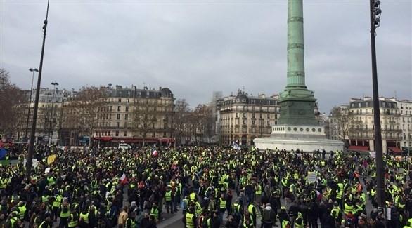 متظاهري السترات الصفراء في ساحة الباستيل بفرنسا (تويتر)