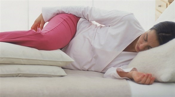 وضعية مريحة للنوم خلال الثلث الثالث من الحمل (أرشيفية)