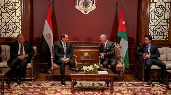 ملك الأردن والرئيس المصري في جلسة مشتركة في عمان (الديوان الملكي الأردني)
