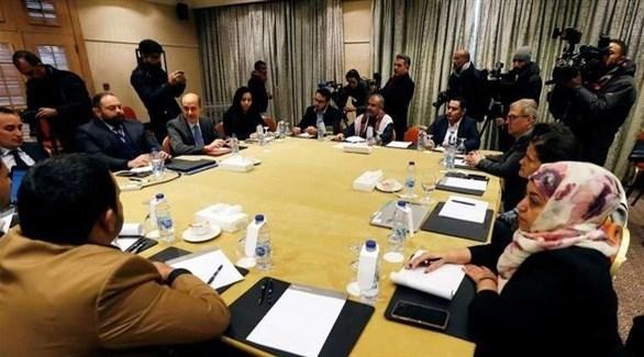 اجتماع وفدي الحوثيين والحكومة اليمنية في الأردن (تويتر)