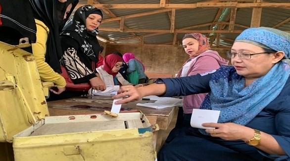 مسلمة فلبينية تدلي بصوتها في انتخابات سابقة (أرشيف)