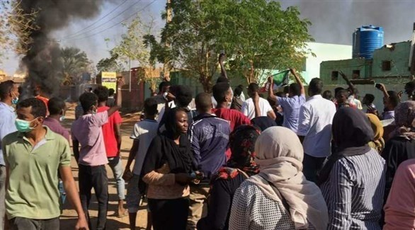 سوادنيون في تظاهرة احتجاجية بالخرطوم (أرشيف)