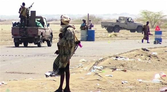 مسلحون من ميليشيا الحوثي في أحد شوارع الحديدة (أرشيف)