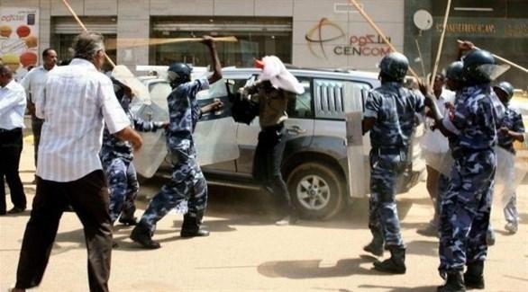 الشرطة السودانية تقمع متظاهرين (أرشيف)