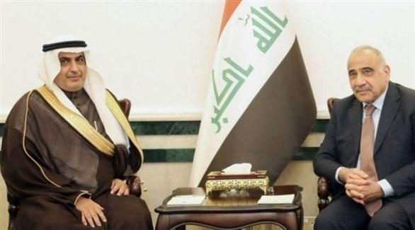 رئيس الوزراء العراقي عادل عبدالمهدي والسفير السعودي لدى بغداد عبدالعزيز الشمري (واع)