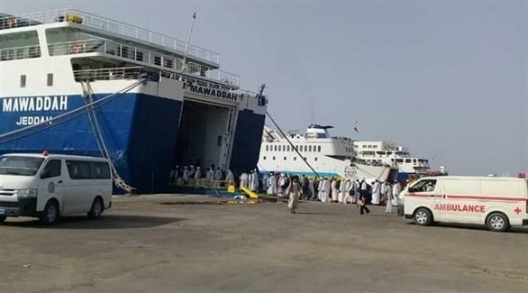ناقلات ركاب وبضائع في ميناء بورتسودان (أرشيف)