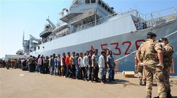 مهاجرون أنقذتهم البحرية الإيطالية في أحد موانئ صقلية (أرشيف)