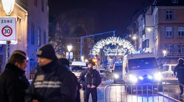 الشرطة الفرنسية في سوق كريسماس بستراسبورغ بعد الهجوم الإرهابي (أرشيف)