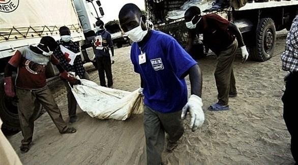 مسعفون ينقلون الجثث في الكونفو(أرشيف)