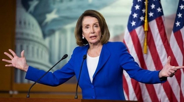 رئيسة مجلس النواب الديمقراطية نانسي بيلوسي متحدثة للصحفيين (EPA)