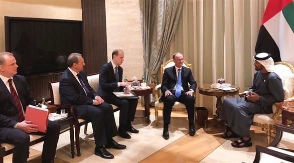 الشيخ محمد بن زايد خلال استقبال سكرتير مجلس الأمن الروسي والوفد المرافق (تويتر)