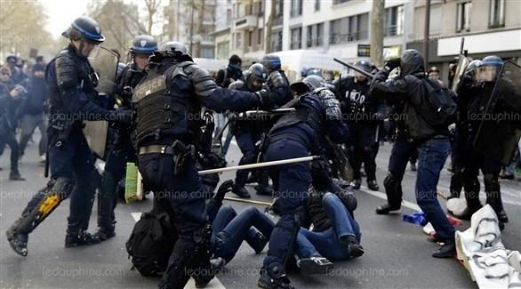 الأمن الفرنسي يوقف متظاهرين من السترات الصفراء (وكالات)