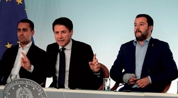 رئيس الوزراء الإيطالي جوزيبي كونتي ونائبيه (أرشيف)