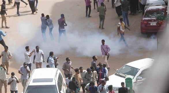 مظاهرات في شوارع خرطوم (رويترز)