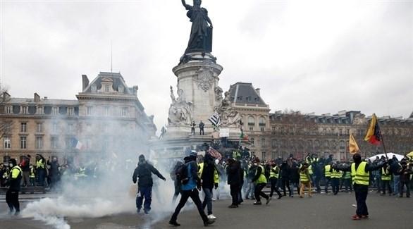 محتجون من أصحاب السترات الصفراء في باريس (إ ب أ)