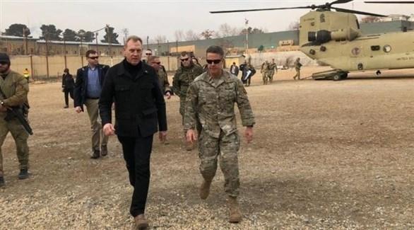 وزير الدفاع الأمريكي المؤقت شاناهان يزور قاعدة أمريكية في أفغانستان (تويتر)