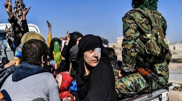 مدنيون يفرون من أحد معاقل داعش في سوريا (أرشيف)