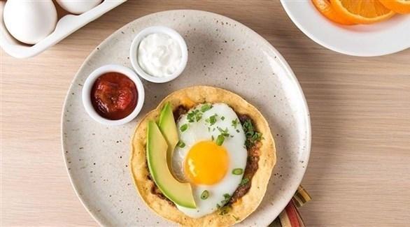 الإفطار يقلل الإحساس بالجوع على مدار اليوم (أرشيفية)