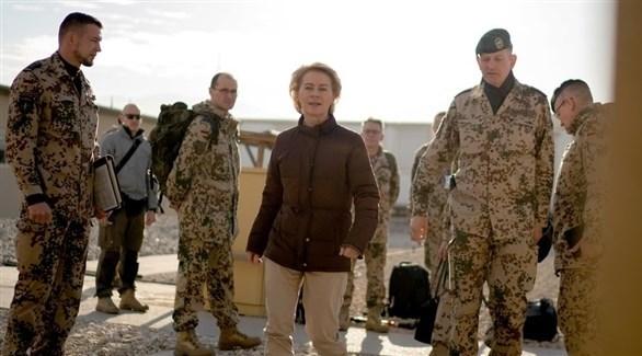 وزيرة الدفاع الألمانية أورزولا فون دير لاين في جولة لها بأفغانستان (أرشيف)