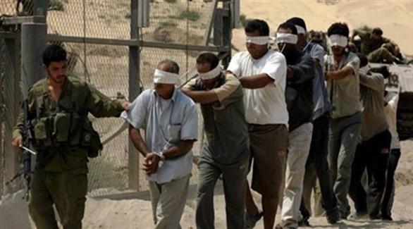 معتقلون فلسطينيون في أحد سجون الاحتلال (أرشيف)