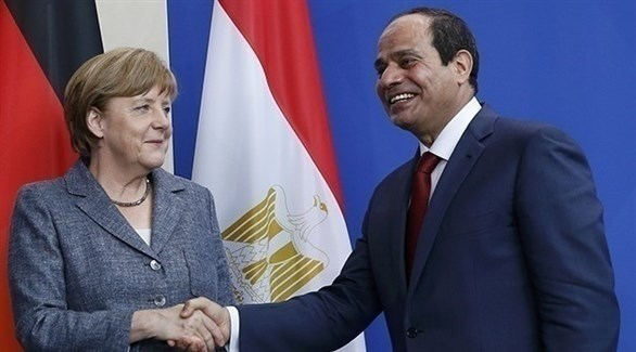الرئيس المصري عبدالفتاح السيسي والمستشارة الألمانية أنغيلا ميركل (أرشيف)