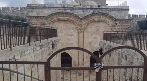 إغلاق باب الرحمة المؤدي إلى المسجد الأقصى المبارك (تويتر)