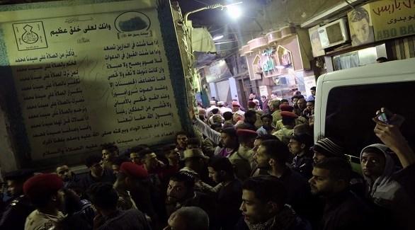 مدنيون وعسكريون مصريون في مكان التفجير الإرهابي قرب الأزهر (24)